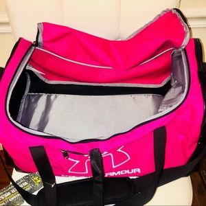 0ad26b857918 Under Armour Bags - NEW UNDER ARMOUR STORM HUSTLE-R SMALL DUFFLE BAG